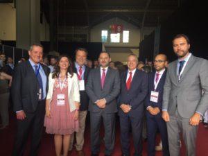 El ministro de Fomento, José Luis Ábalos, con algunos delegados de Zonas Francas de España