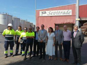Imágenes de la ministra de Hacienda en su visita a la Zona Franca