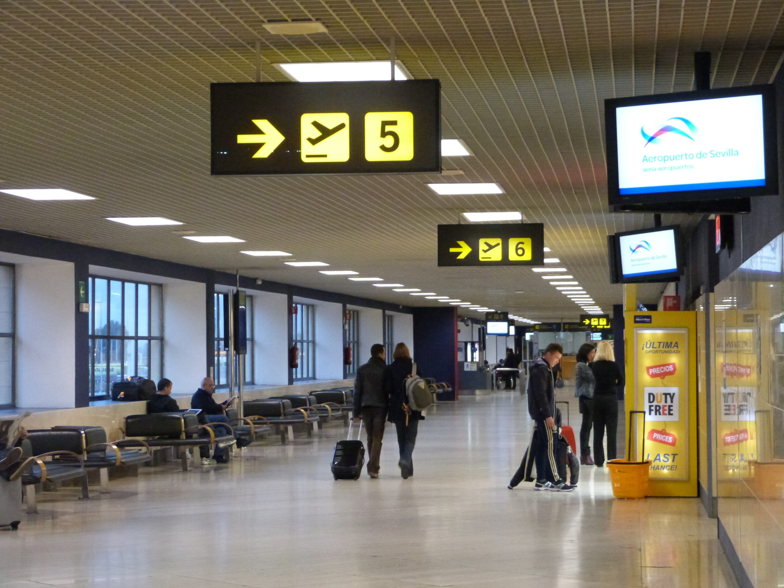 """""""El Aeropuerto de Sevilla invierte 200.000 euros en medidas para garantizar la seguridad de los pasajeros"""""""
