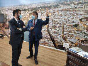 El delegado de la Zona Franca de Cádiz visita las instalaciones de la Zona Franca de Sevilla
