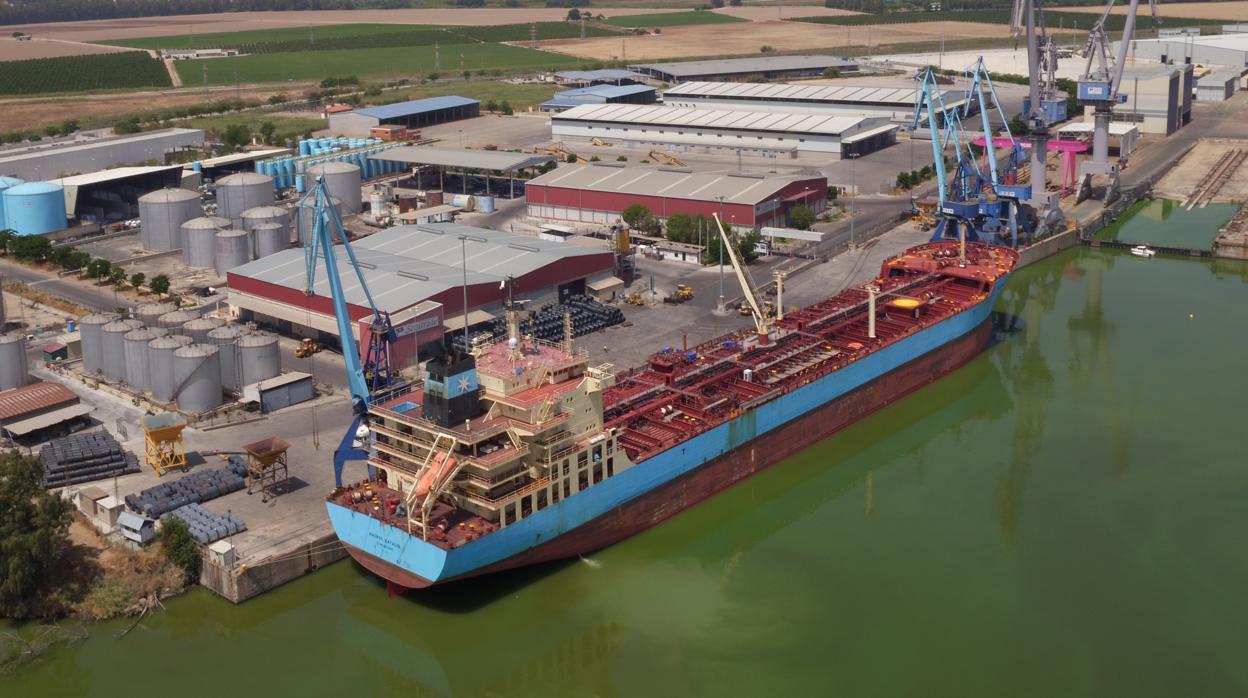 Puertos del Estado anuncia una bajada de tasas que supondrá un ahorro de 32 millones para los operadores