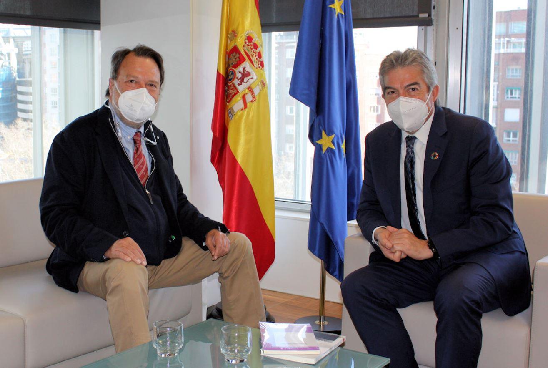 Encuentro entre el Director General de SEPES y el Delegado Especial del Estado para la Zona Franca de Sevilla